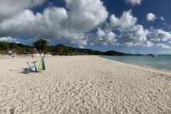 Antigua-im-Lockdown-verlassene-Straende-Gross